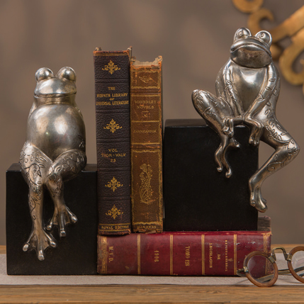 Dessau Antique Silver Frogs on Black Base