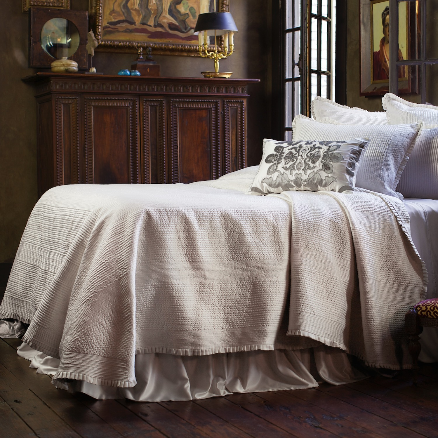 Battersea Ivory Bedspread King